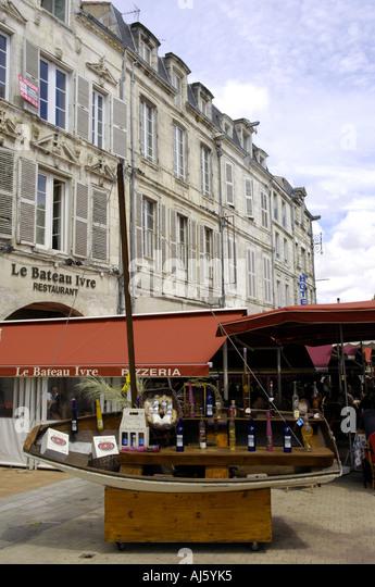 Ivre stock photos ivre stock images alamy - Restaurant port la rochelle ...