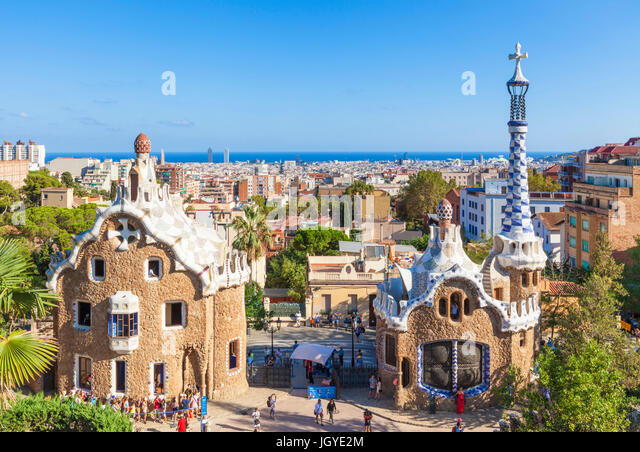 Barcelona Catalunya Park Guell barcelona parc guell barcelona porters lodge casa del guarda tourists queuing Barcelona - Stock Image
