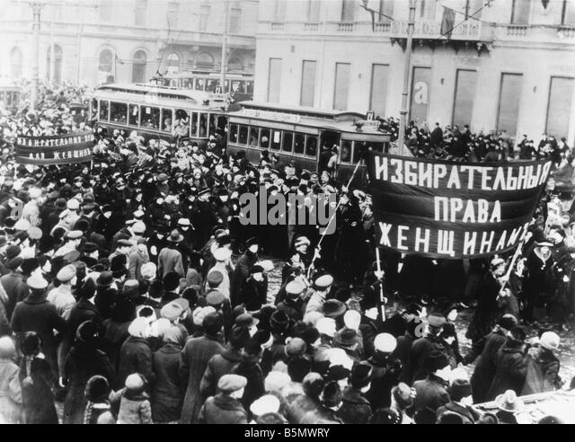 russia october revolution essay Russian revolution and civil war essay  helped pave the way for revolution russia was comparatively  left and paved the way for the october revolution.