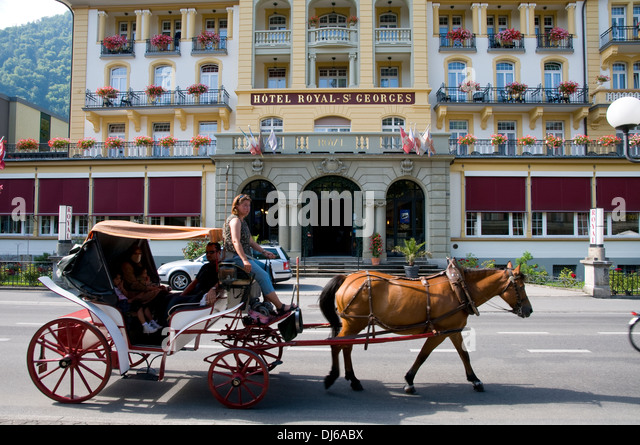 Luxury coach stock photos luxury coach stock images alamy for Royal family motors canton