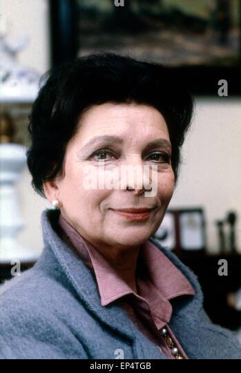 Die deutsch schweizerische Schauspielerin <b>Agnes Fink</b>, Deutschland 1980er ... - die-deutsch-schweizerische-schauspielerin-agnes-fink-deutschland-1980er-ep4tgb