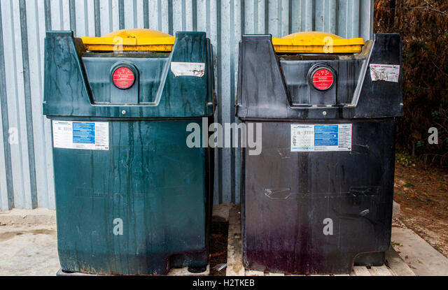 Anchorage Recycling Center >> Oil Containers Stock Photos & Oil Containers Stock Images - Alamy