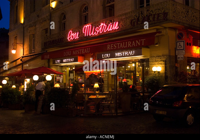 avignon france cafe night stock photos avignon france cafe night stock images alamy. Black Bedroom Furniture Sets. Home Design Ideas