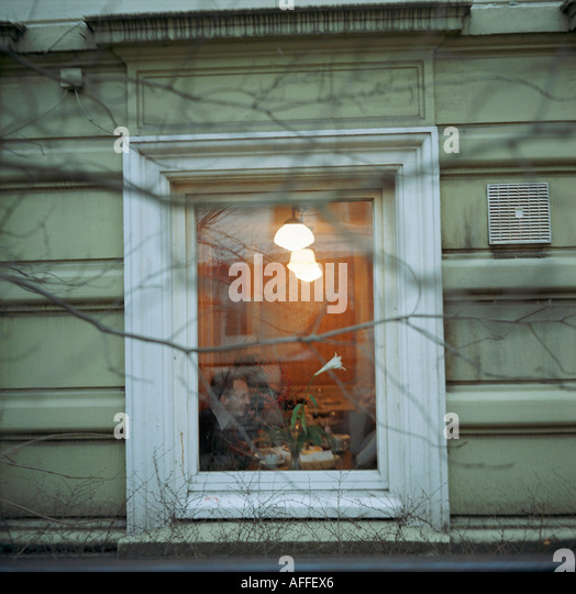 Anticlimax stock photos anticlimax stock images alamy for Sideboard unter fenster