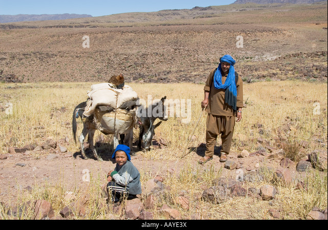 morocco expedition  walking berber nomads