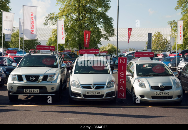 Used Car Dealer Stock Photos Amp Used Car Dealer Stock Images Alamy