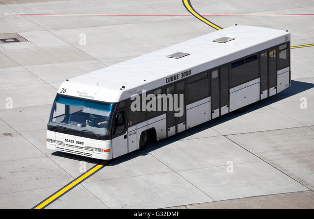 shuttle bus airport stock photos shuttle bus airport stock images alamy. Black Bedroom Furniture Sets. Home Design Ideas