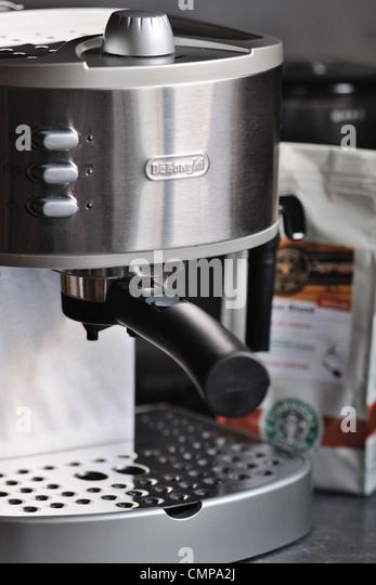 Starbucks Coffee Beans Stock Photos & Starbucks Coffee Beans Stock Images - Alamy