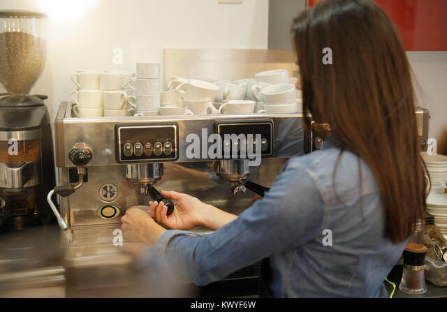 Expresso bar stock photos expresso bar stock images alamy for Table 52 townsville