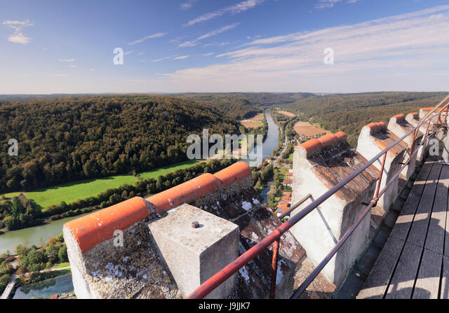View of castle Randeck to the wooden bridge Tatzelwurm and the Main Danube channel near Essing, nature reserve Altmuehl - Stock Image