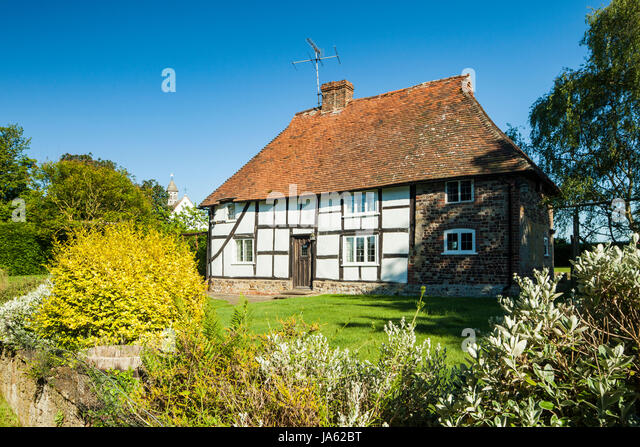 Picturesque Cottage Uk Stock Photos Amp Picturesque Cottage
