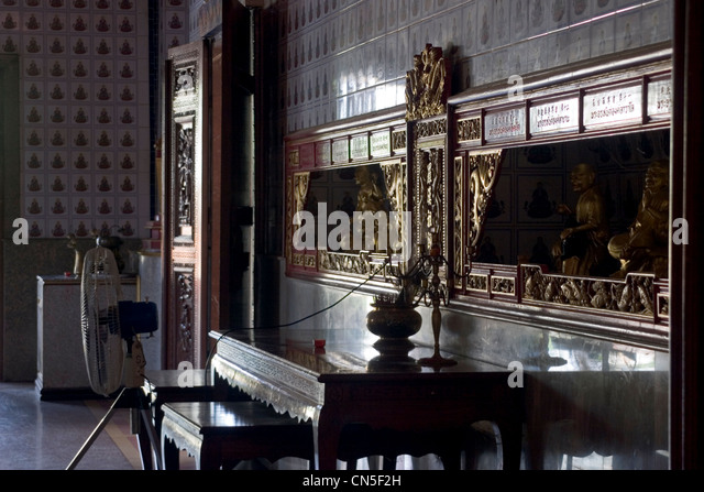 jinghong buddhist singles Buddhist monasteries  a large quantity of buddhist temples were built in jinghong   buddhism is the single religion among dai people and has a comprehensive.
