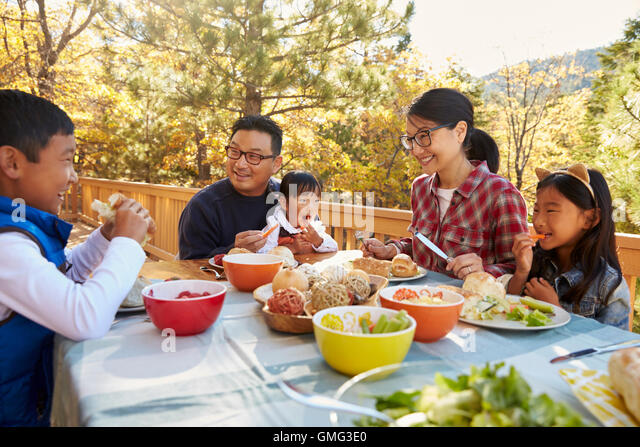 Pictures Of Asian Family Eating Dinner