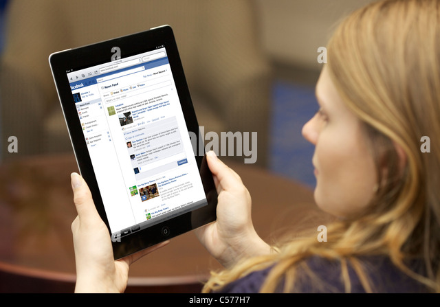 how to close picture in facebook on ipad