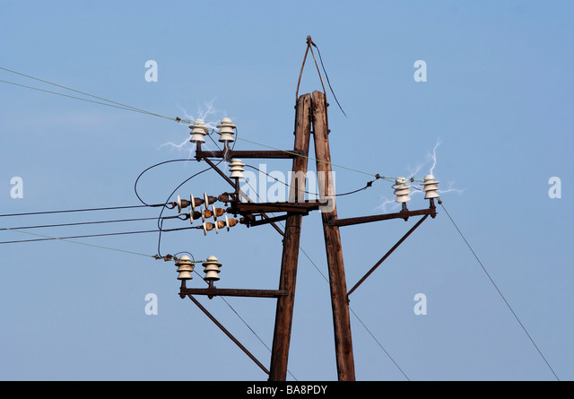 Power Transmission Poles : Electric discharge stock photos