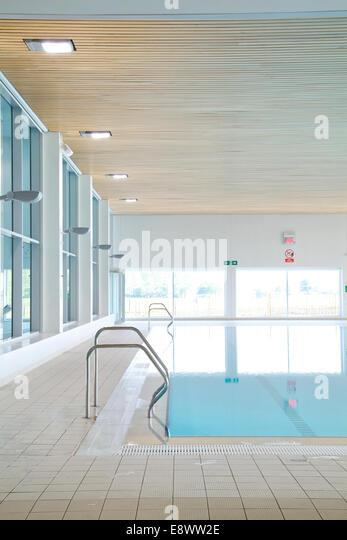 Leisure centre pool stock photos leisure centre pool - University of bristol swimming pool ...