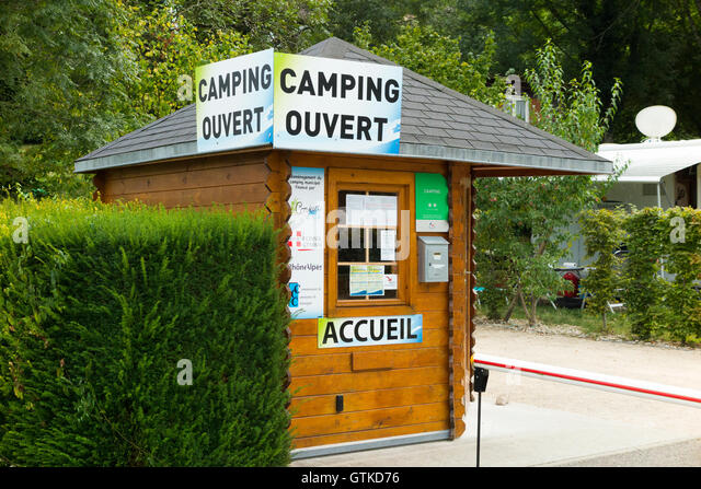 Du camp stock photos du camp stock images alamy for Camping le bourget du lac avec piscine