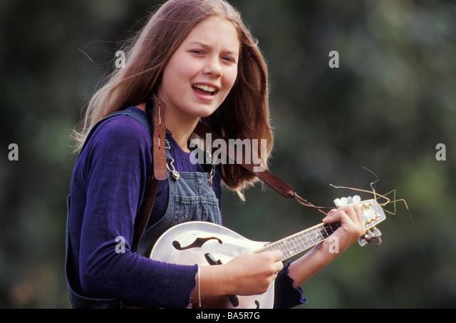 Mandolin Playing Girl Stock Photos - 59.4KB