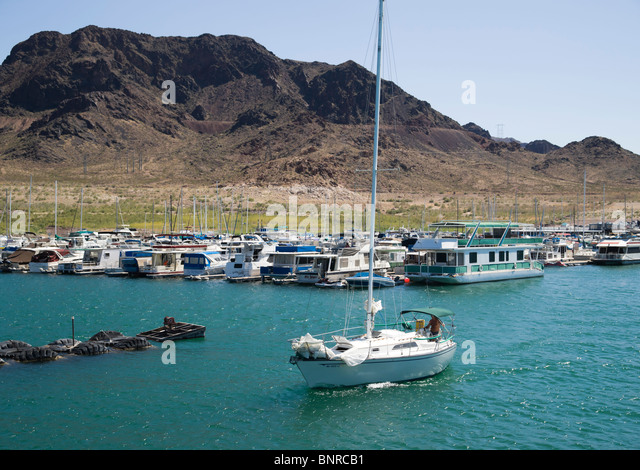 Lake mead marina stock photos lake mead marina stock for Fishing lake mead from shore