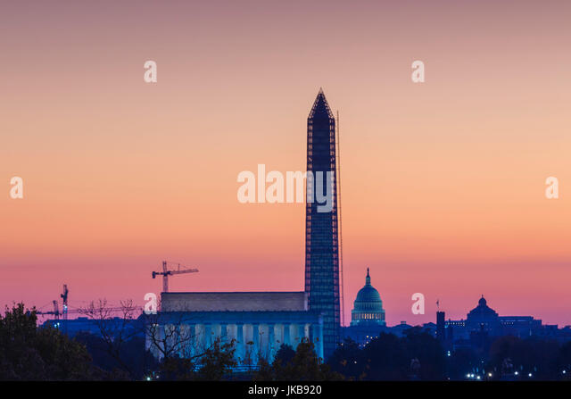 USA, Washington DC, Lincoln Memorial, Washington Monument and US Capitol, dawn - Stock Image