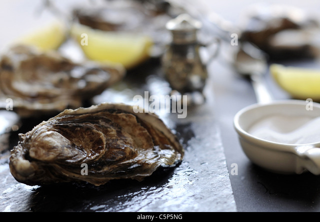 Hors Doeuvre Stock Photos & Hors Doeuvre Stock Images - Alamy Oyster Eating Salt
