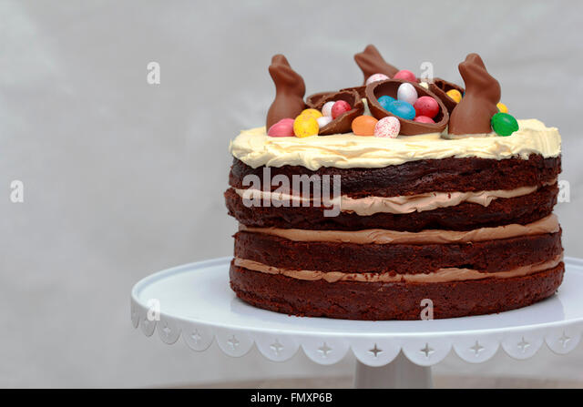 Triple layer cake stock photos triple layer cake stock for Decoration layer cake