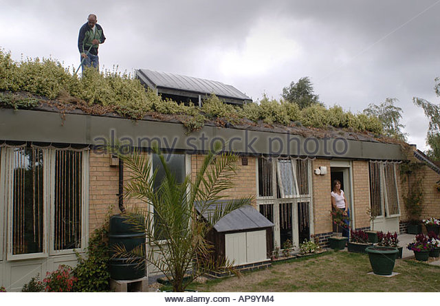 Honingham stock photos honingham stock images alamy for Earth covered homes