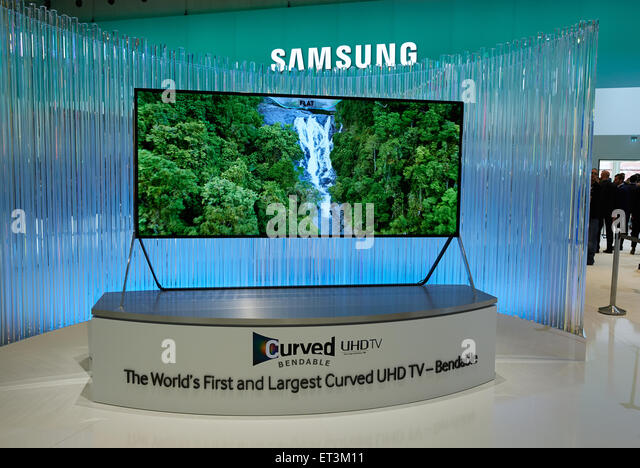 Curved tv stock photos curved tv stock images alamy