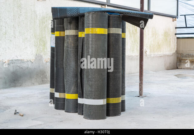 Bituminous stock photos bituminous stock images alamy - Bitumen sheets pros and cons ...