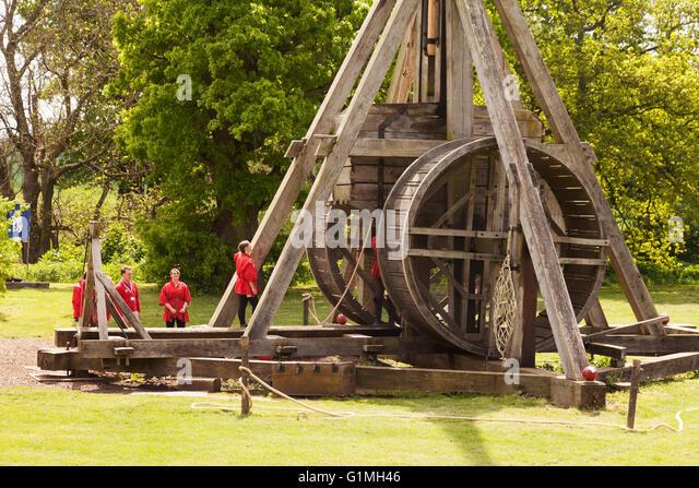 medieval siege weapons 2018-1-20  information about the fascinating art and science of sieging medieval castles, weapons and tactics.