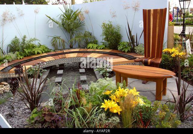 Curved seating stock photos curved seating stock images for Garden design knutsford