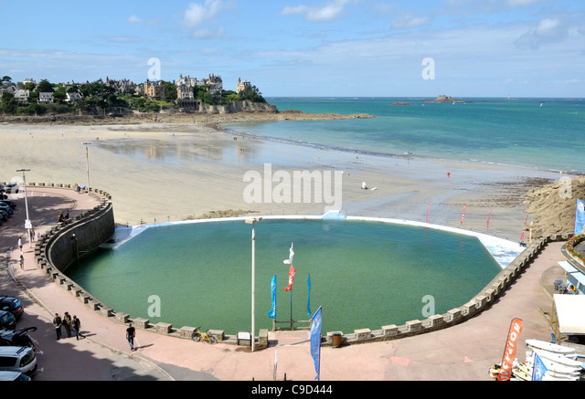 Piscine stock photos piscine stock images alamy for Piscine dinard
