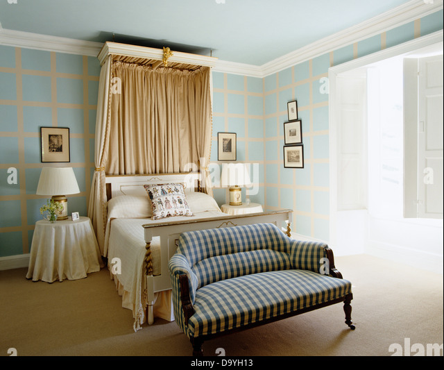 Canopy Beds Stock Photos Canopy Beds Stock Images Alamy