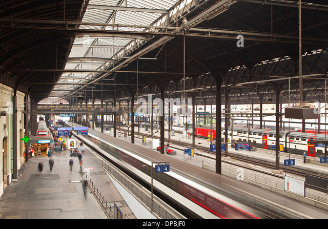 busy railway station essay A railway station is a very interesting place it is visited by thousands of people every day there are some who come here to leave for another city or town.