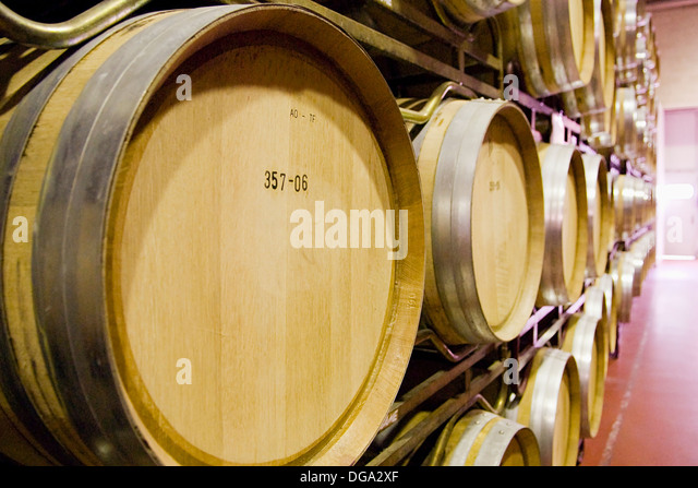 Barriles stock photos barriles stock images alamy - Barriles de vino ...