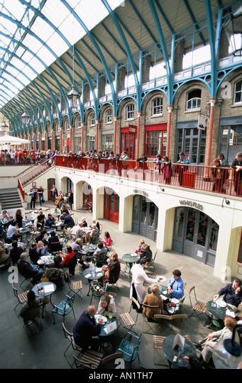 EnglandLondonPeople Dining In Covent Garden