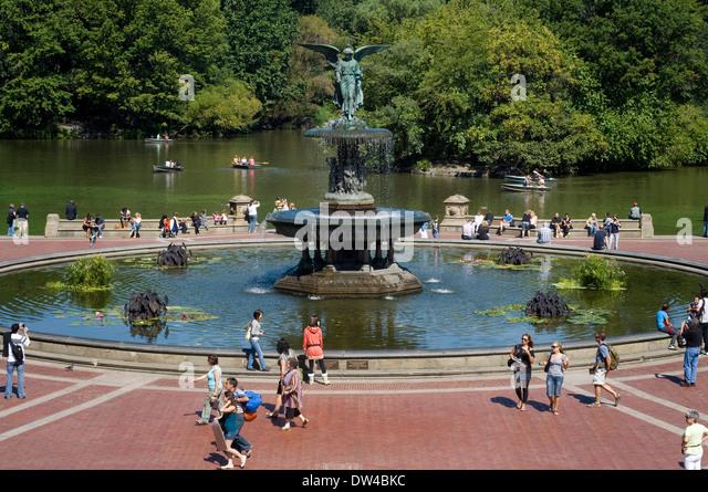 Circular fountain stock photos circular fountain stock for Garden city pool new york