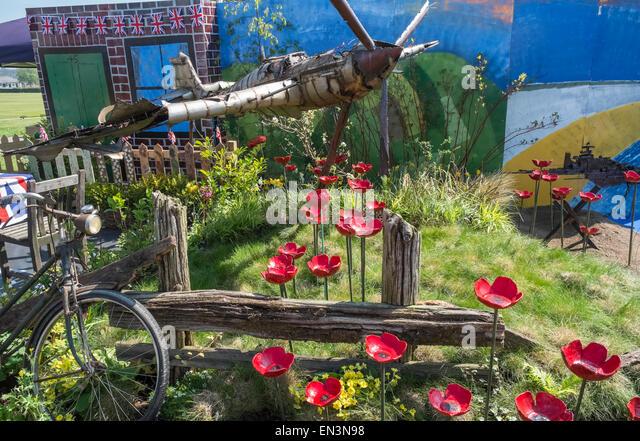 Spitfire sculpture stock photos spitfire sculpture stock for Garden design harrogate