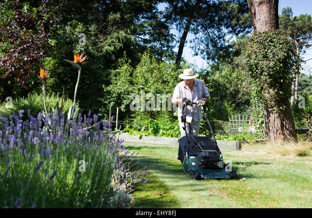 Mowing stock photos mowing stock images alamy for Garden maintenance bournemouth