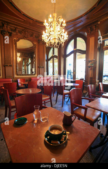 Classic French cafe scene. - Stock Image