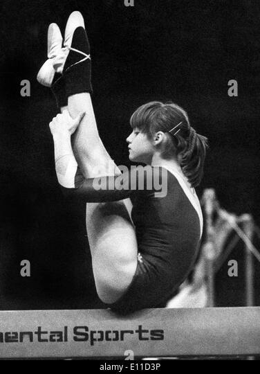 image Romanian gymnast beam exercises