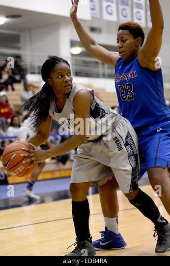 Women Ncaa Basketball Game Stock Photos & Women Ncaa ...