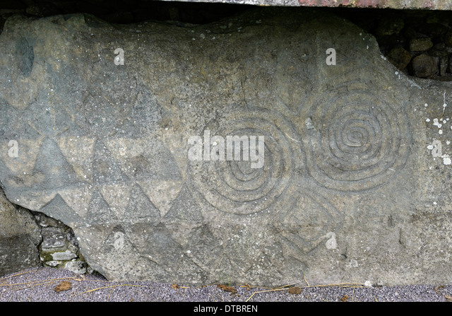 Newgrange stock photos images alamy