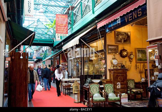 Porte de clignancourt stock photos porte de clignancourt - Restaurant africain porte de clignancourt ...