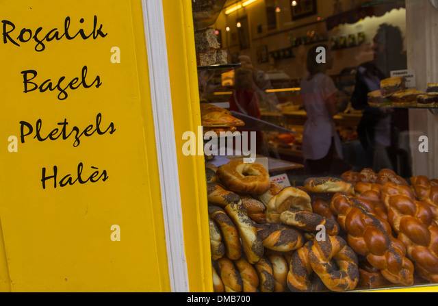 Yiddish stock photos yiddish stock images alamy for Cuisine yiddish