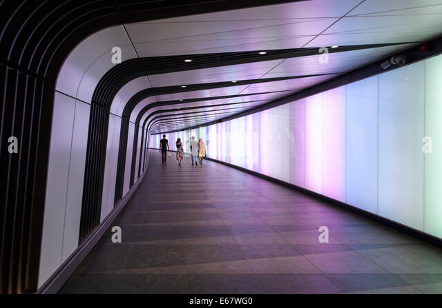 Pedestrian Tunnel People Stock Photos & Pedestrian Tunnel People Stock Images - Alamy