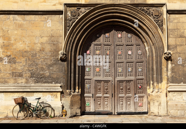 The closed doors of the Bodleian Library in Oxford England. - Stock Image & Catte Street Oxford Stock Photos \u0026 Catte Street Oxford Stock Images ...
