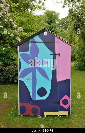 Garden Sheds Jersey Channel Islands painted shed stock photos & painted shed stock images - alamy