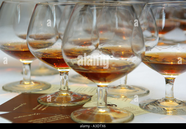 Craftsmanship crystal stock photos craftsmanship crystal stock images alamy - Waterford cognac glasses ...