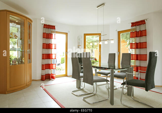 Stue stock photos stue stock images alamy for Esszimmer schrank
